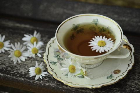 Teetasse mit Blüte